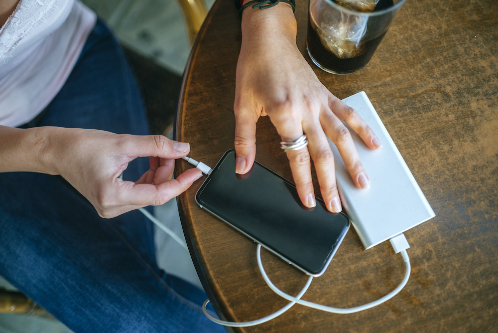blackweb portable charger 5200 review